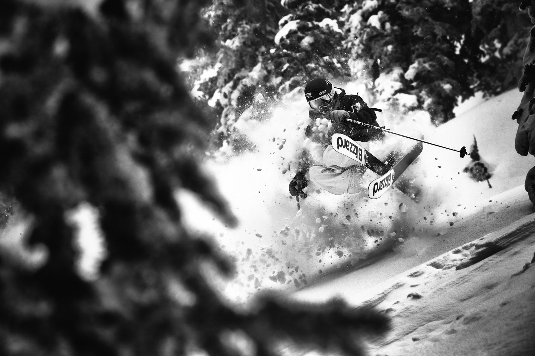 Marcus Caston Skiing Photo: Adam Barker
